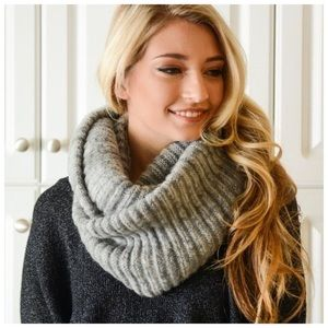 Accessories - NWT Grey Knit Infinity Scarf 🧣 Boutique